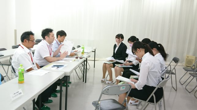 学内での就職ガイダンス