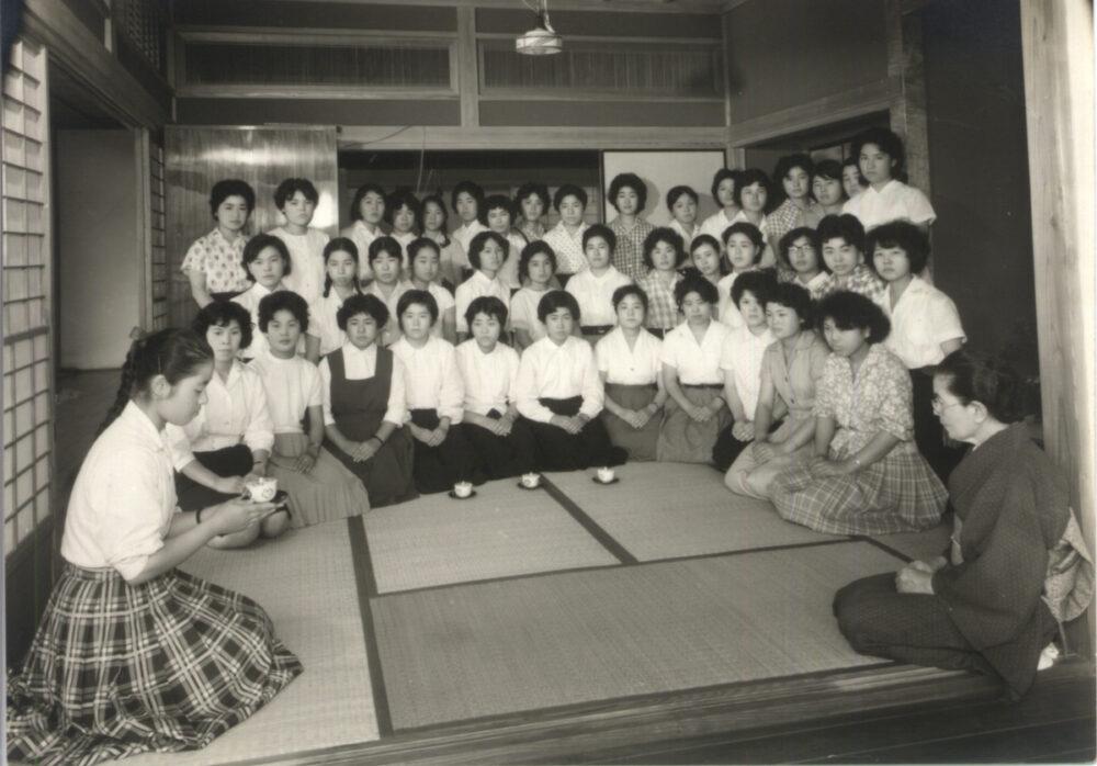緑町学舎 茶室 →カラー